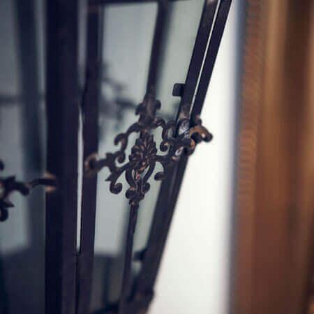旧露亜銀行の建築美を受け継ぐ貴賓室